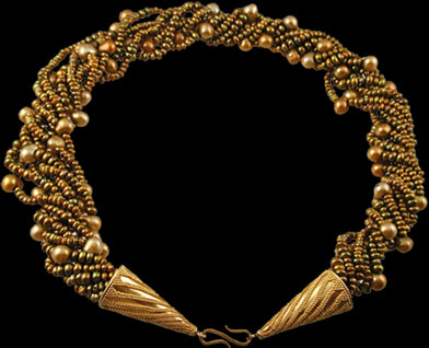 hand_crafted 22k gold granulated necklace